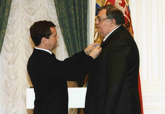 Президент Российской Федерации Медведев Д.А. и директор ГА РФ Мироненко С.В.